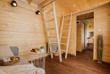 L'espace intérieur aménagé d'une Tiny House Colibri