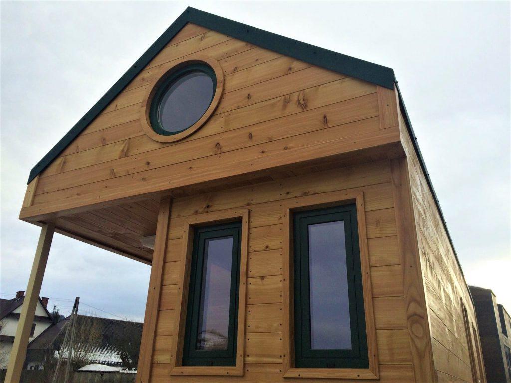 3 fenêtres de la tiny house Carol