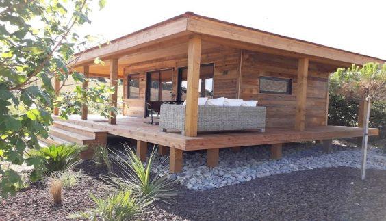 Lodge en bois Cabane du Pêcheur installé sur pilotis
