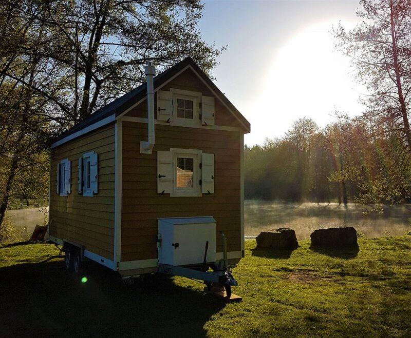 Tiny House sur-mesure installée sur un terrain en pleine nature