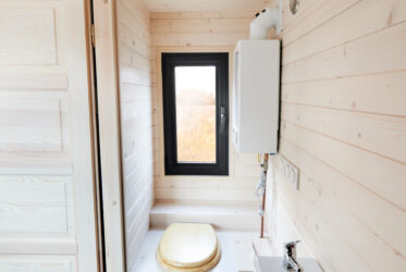 toilettes sèche en bois